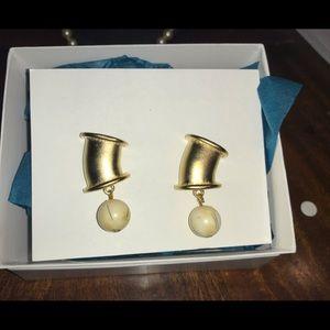 Vintage clip on earrings new really nice America